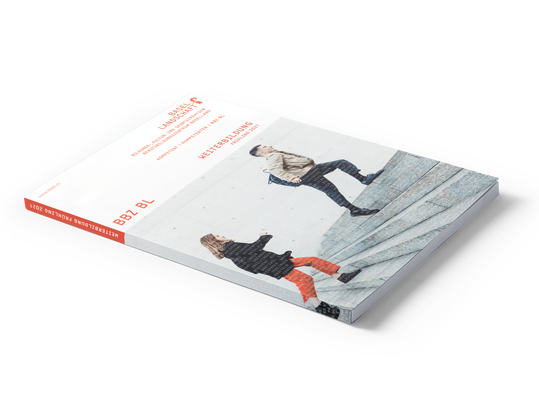 Cover Broschüre Kurse 2021