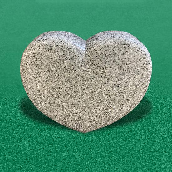 Gravsten i et hjerteformet og fuldpoleret design