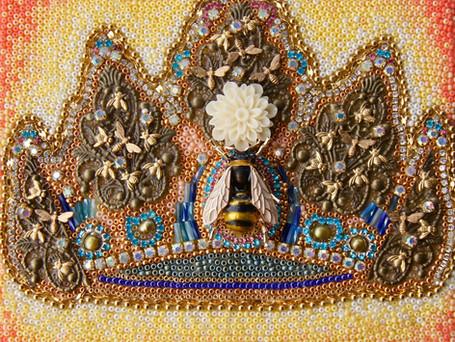 Queen Bee Corona