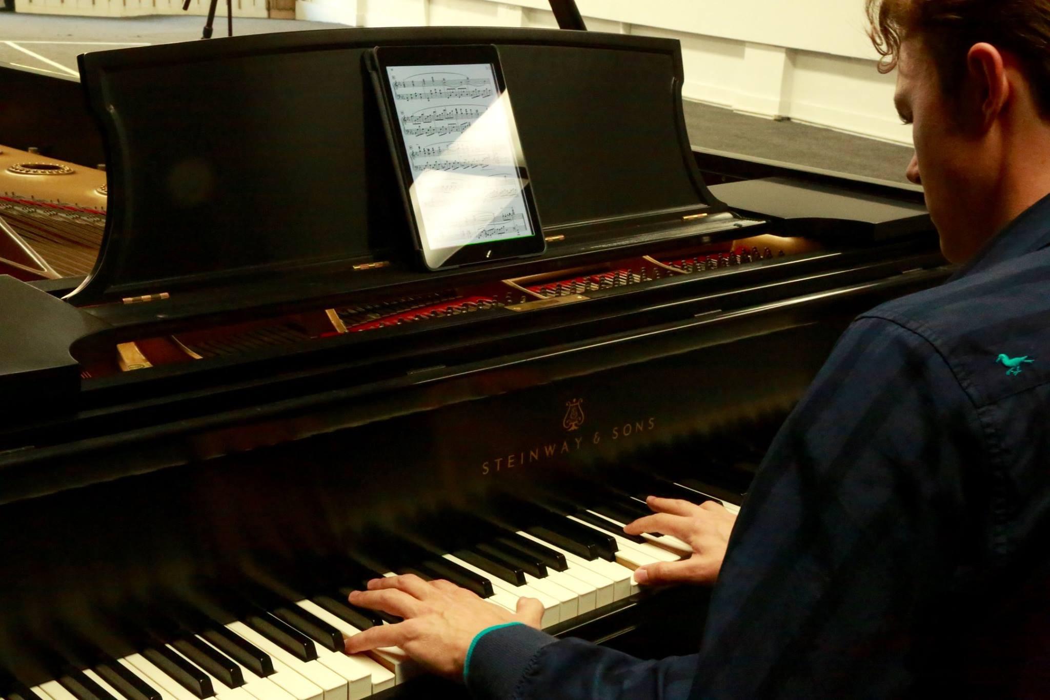 Four 45 min FaceTime/Skype Piano Lessons