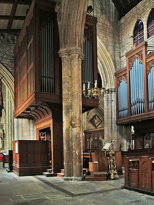 Howden Minster organ side view.jpg