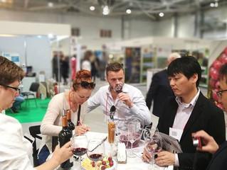 Выставка Винорус с гостями из Бельгии и Японии