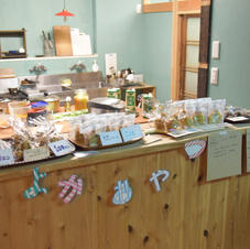 ご飯だけでなく、お菓子やドリンクを作って、販売することもできます。
