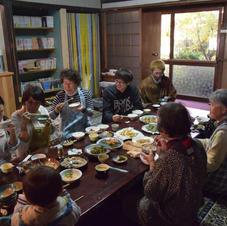 飲食を伴うお茶会はここ、コミュニティ食堂で!