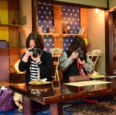 食堂内含め囲炉裏内は全て写真撮影自由です! たくさんとってシェア拡散!