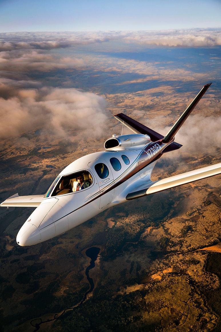 0524_Cirrus_SF50_flight_v.jpg