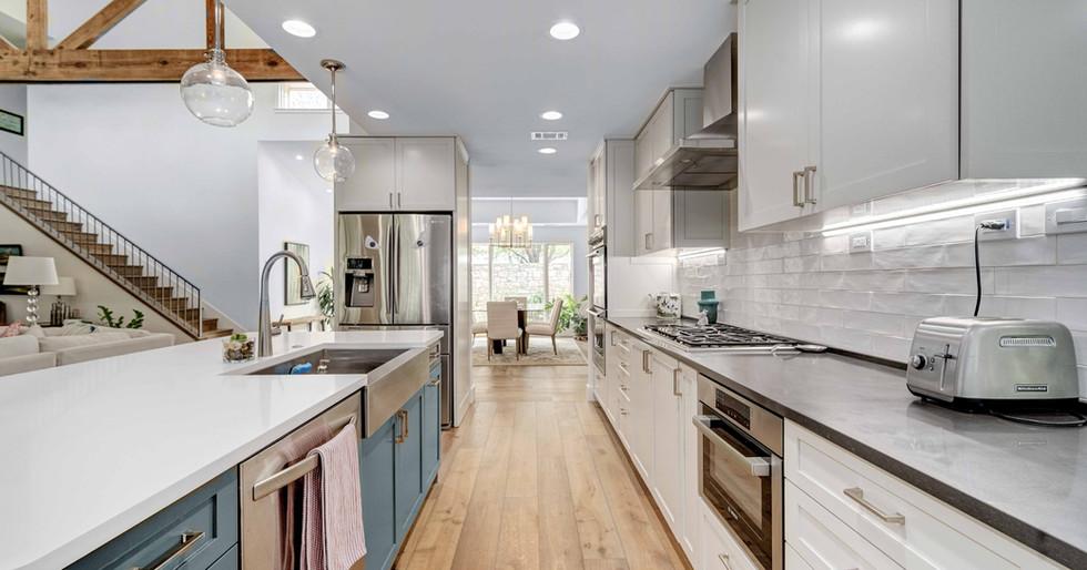 Kitchen 1 | Team Haikola | Sleek & Sophisticated