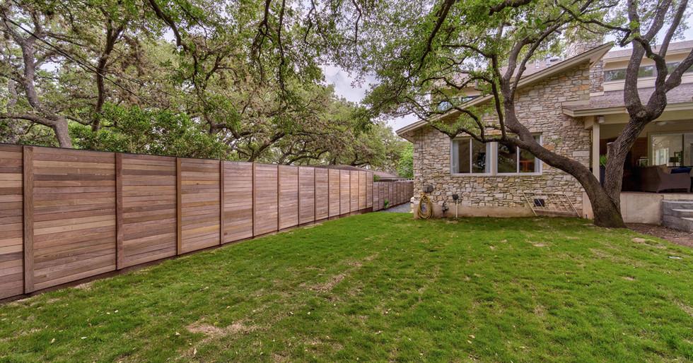 Custom Fence | Team Haikola | Sleek & Sophisticated