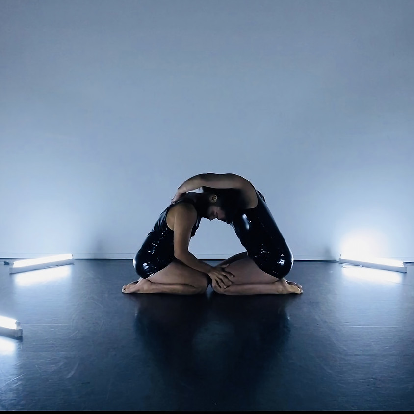 BEYOND a dance performance by Can Bora at Amsterdam Fringe Festival