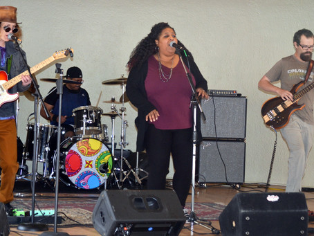 The E.T.s performing at the 2019 Munchie Fest with special guest, the amazing Niki Coakley.