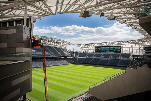 72 Banc of CA stadium frame install PS S
