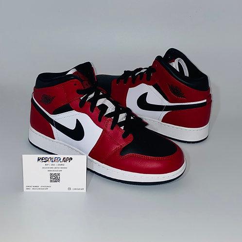 Nike Jordan 1 Mid Chicago 'Black Toe'