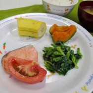 給食は食育のチャンス  だからこそ 「食育としての給食」を提供したい。  最初は