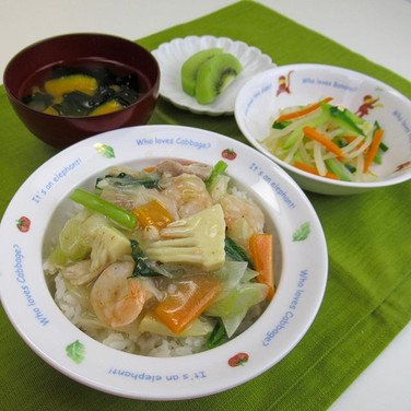 中華丼 かつお昆布だしとえびの旨味 もう一つのだしは白菜! 白菜は昆布と同じグル