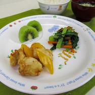 唐揚げ♪ 国産の黄色パプリカと油で揚げました★ 旨味甘みが凝縮  小松菜ののり和