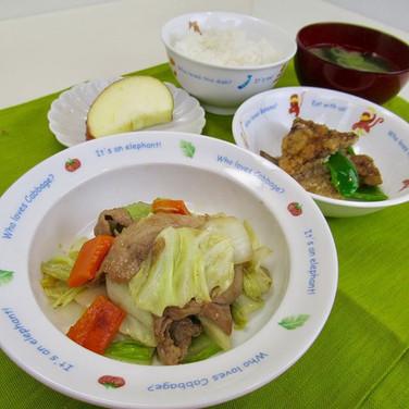 今日の副菜の レバーの竜田揚げ  レバーは、おうちなら、 水に浸けて  冷蔵庫で