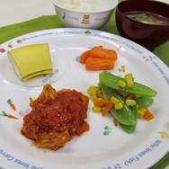 鶏肉のトマト煮 たまねぎをしっかりしっかり炒めてから トマトを入れるのがコツ