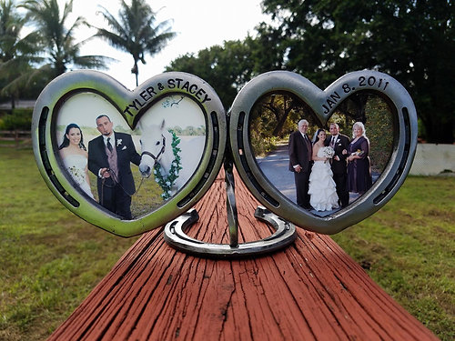 Customized Double Heart Horseshoe Frame