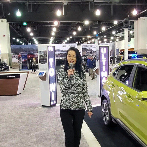 Auto Show Presenter