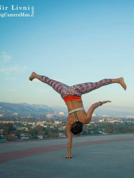 Yoga-teacher-la-helipad.png