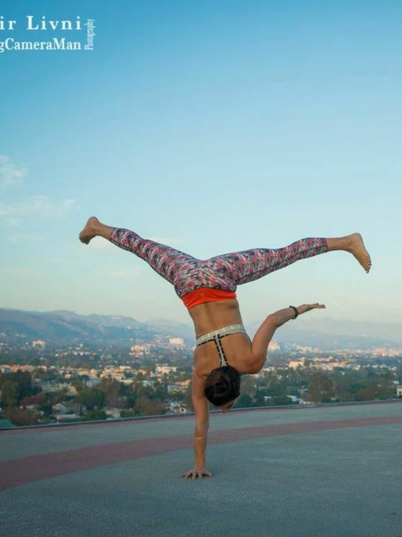Yoga-teacher-la-helipad.png