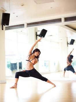 hollywood-yoga.png