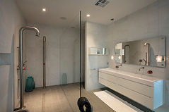 Peter-Lik-Veer-Penthouse-Bathroom.jpg