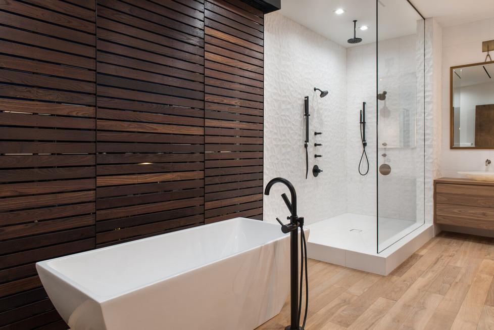 Allure-Model-Master-Bath-3.jpg