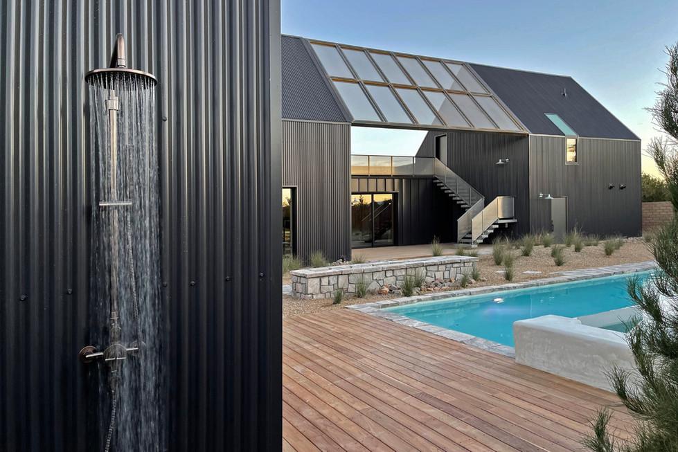 Jewel-Homes-Desert-Cabin-Exterior-Shower