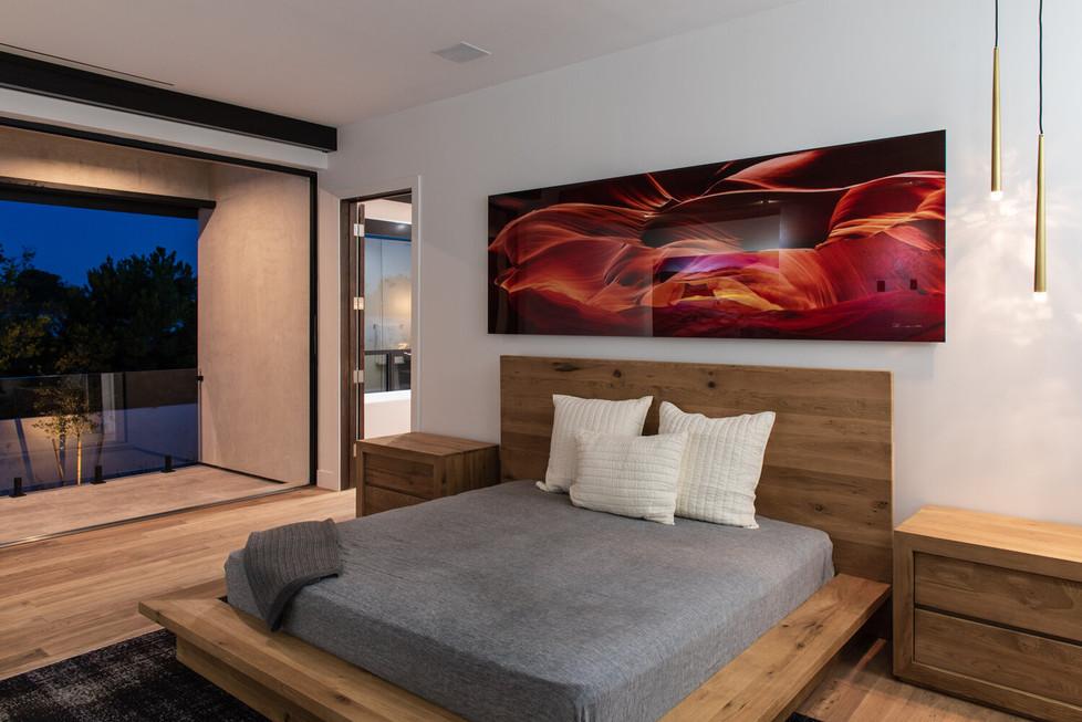 Allure-Model-Master-Bed-3.jpg