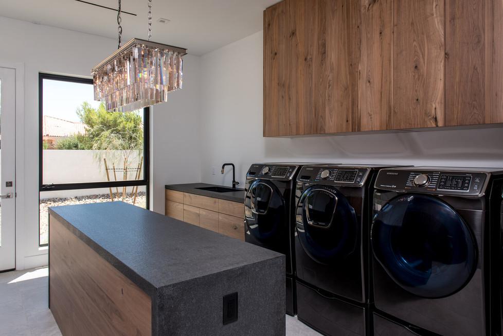 Allure-Model-Laundry-1.jpg