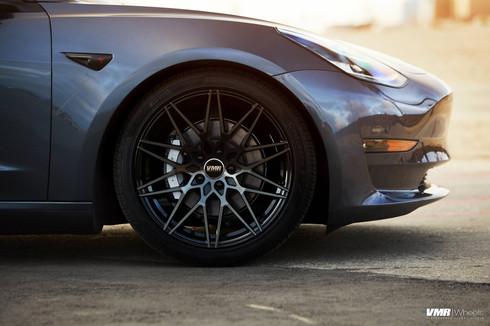 """V801 Titanium Black Shadow 19"""""""