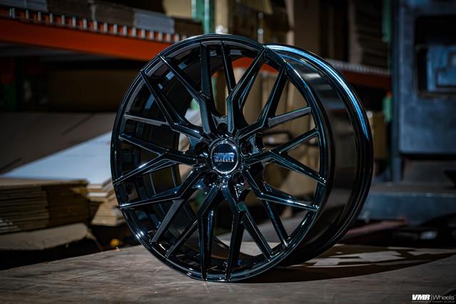 V802 Crystal Black
