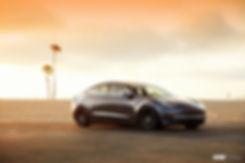 V801_19_Titanium Black Shadow_Tesla_Mode
