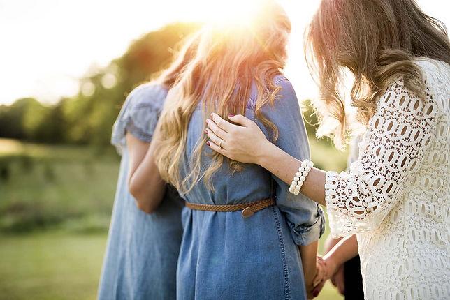 WOMEN PRAYING - 72.jpg
