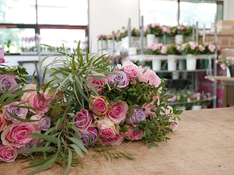 Composition_bouquet_fleurs_LECOLE_FLORAL