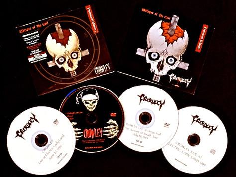 Whisper of the Evil Premium Edition Ver.1とVer.2にプラス、4枚のスペシャル特典が付いた数量限定6枚組スペシャルパッケージをオンラインストアにて販売!