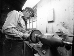 Photo by Schultz 1981 8 - buffing and polishing