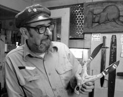 Photo by Schultz 1981 12 - novelty knife