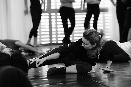 Oficina de Dança Contemporânea.jpg
