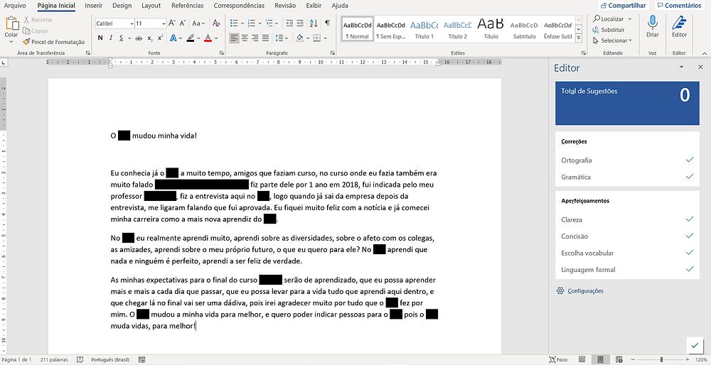 Print do aplicativo Word aberto, com folha branca e texto com marcações.