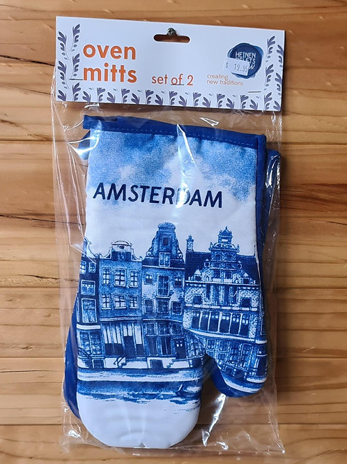 Oven Mitts with Canal Houses