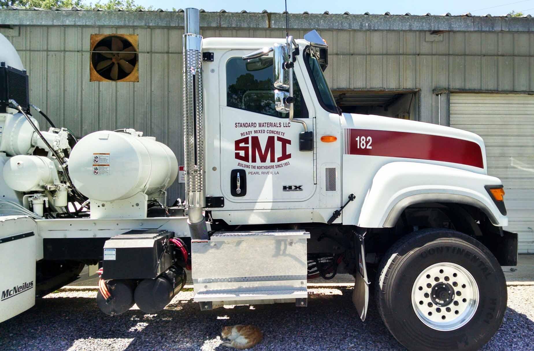 Concrete truck lettering