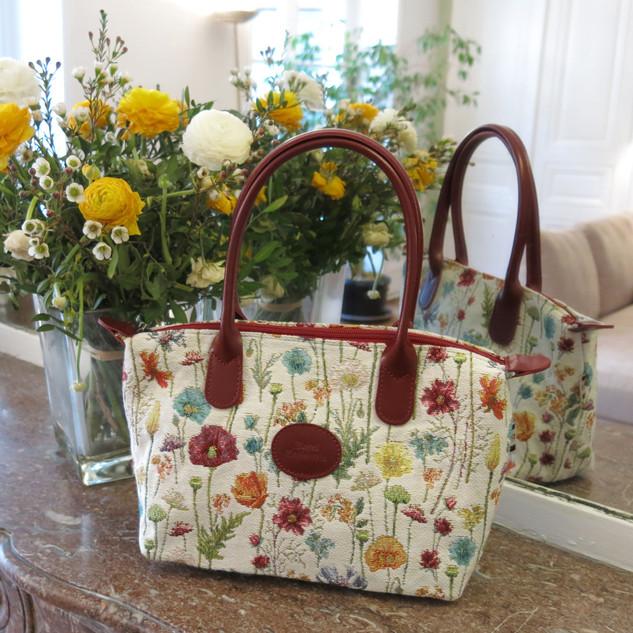"""Sac à main motif """"Des Fleurs des Champs"""" (ref 8945.74) Royal Tapisserie / Handbag tapestry"""