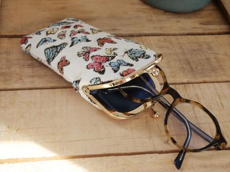 """Etui à lunettes rétro de la collection """"Papillons"""" (ref 405.68) Royal Tapisserie / Glasses case tapestry"""
