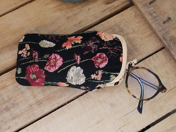 Etui lunettes Fleurs Royal Tapisserie pochette trousse coussin handbag tapestry cushion glasses case winter flowers garden