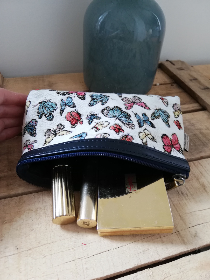 "Trousse maquillage de la collection ""Papillons"" (ref 8850.68) Royal Tapisserie / Pencil case tapestry"