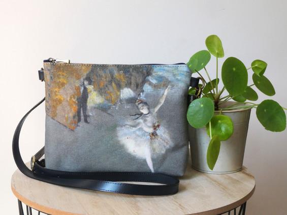 """Maison Martin par Royal Tapisserie sac bandoulière """"La Danseuse"""" d'Edgar Degas (référence 8972D3)"""