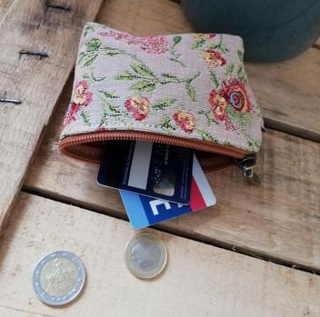 """Porte-monnaie de la collection """"Broché de la Reine Marie-Antoinette"""" (ref 419.65) Royal Tapisserie coin purse tapestry"""