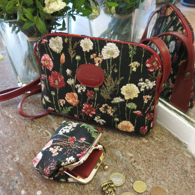 """Sac bandoulière et porte-monnaie dessin """"Des Fleurs en Hiver"""" (ref 8901.76) Royal Tapisserie / Shoulder bag tapestry"""